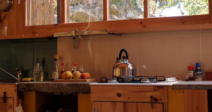 4-kitchenette.jpg